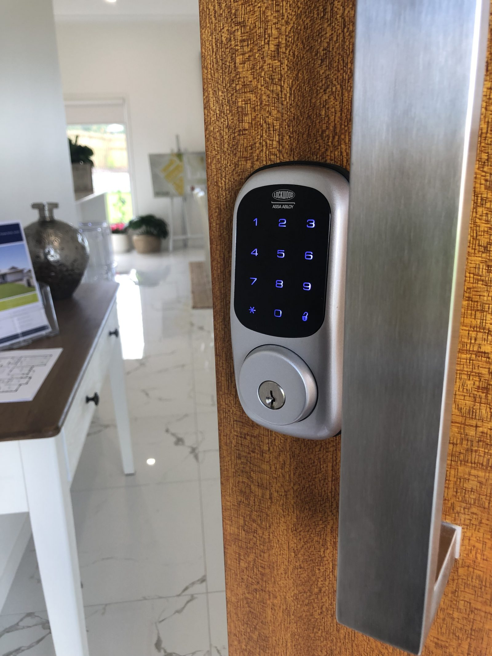 Front Door featuring the keyless entry technology